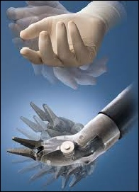 Comparison between movements of the da Vinci robotic arm and the human hand