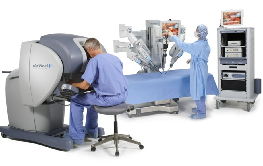 Surgeon performing operation using the da Vinci Robot